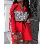 Червена рокля с леопардова украса
