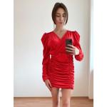 Червена плюшена рокля