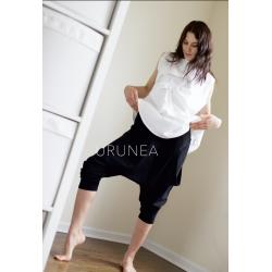 Съчетание бяла блуза с потур