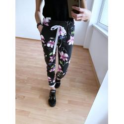 Памучен панталон с украса на цветя