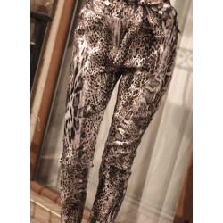 Дамски панталон със змийска украса