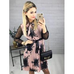Ефирна рокля с панделка