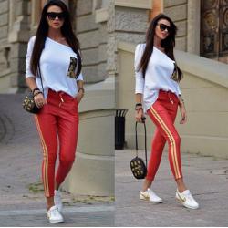 Дамски комплект - червен панталон и бяла блуза