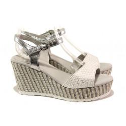Анатомични дамски сандали Marco Tozzi 2-28319-22 бял | Немски сандали на платформа