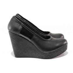 Анатомични български обувки от естествена кожа НЛ 299-96134 черен лак | Дамски обувки на платформа