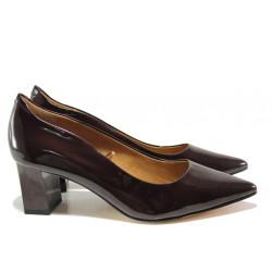 Дамски обувки от естествена кожа-лак Caprice 9-22404-23 бордо лак | Немски обувки на среден ток