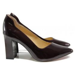 Дамски обувки от естествена кожа-лак Caprice 9-22408-23 бордо лак | Немски обувки на ток