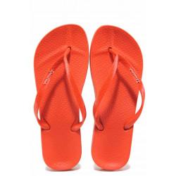 Равни анатомични чехли с лента между пръстите, гъвкаво и еластично ходило, висококачествен PVC материал / Ipanema 82591 червен