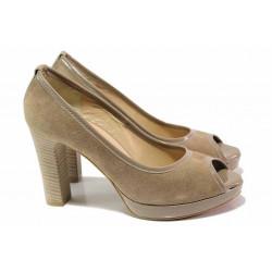 Елегантни дамски обувки, естествен велур и лак, висок ток, платформа, отворени пръсти / Ани 41750 таупе
