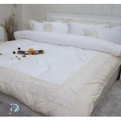 Луксозно спално бельо с дантела СИСИ бяло и шампанско