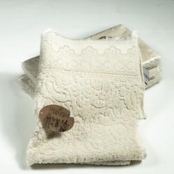 Хавлиена кърпа с бродерия БЕЖОВО
