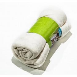Поларено одеяло в бяло