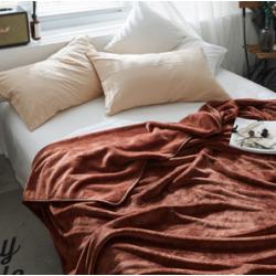 Пухкаво поларено одеяло в Кафяво