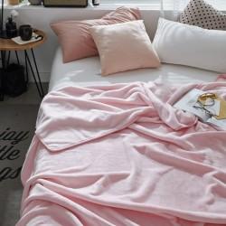 Пухкаво поларено одеяло в Розово