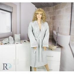 СЕТ Луксозен халат с бродерия , кърпа и чехли за баня Caya Grey