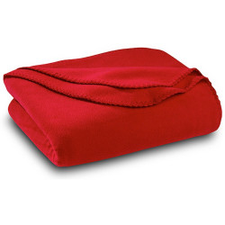 Бюджетно поларено одеяло в червено