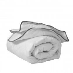 Олекотена завивка от микрофибър 150/210 с вата и карбон в бяло