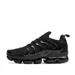 Оригинални спортни обувки Nike Air VaporMax Plus от StyleZone