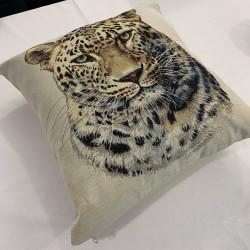 Испанска декоративна възглавница с цип - ЛЕО от StyleZone